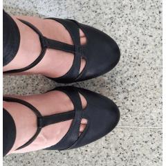 Sandália salto 15 bico fechado preto